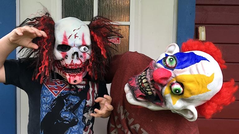 Clowner som ska spöka på Tingstäde fästning.