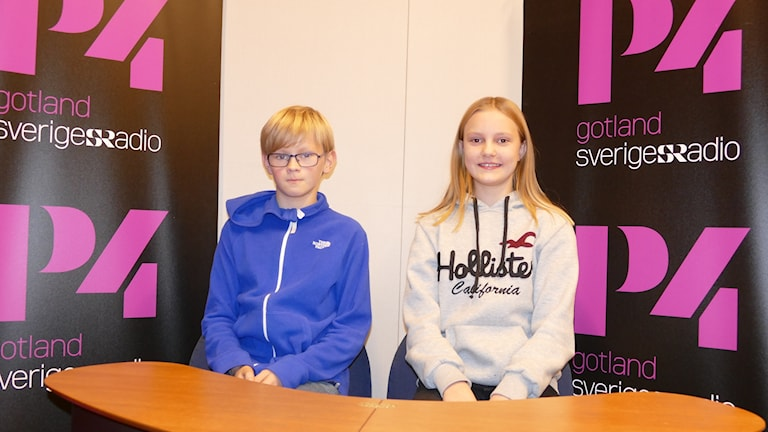 Alfred Althini och Alva Wiss tävlar för Norrbackaskolan.