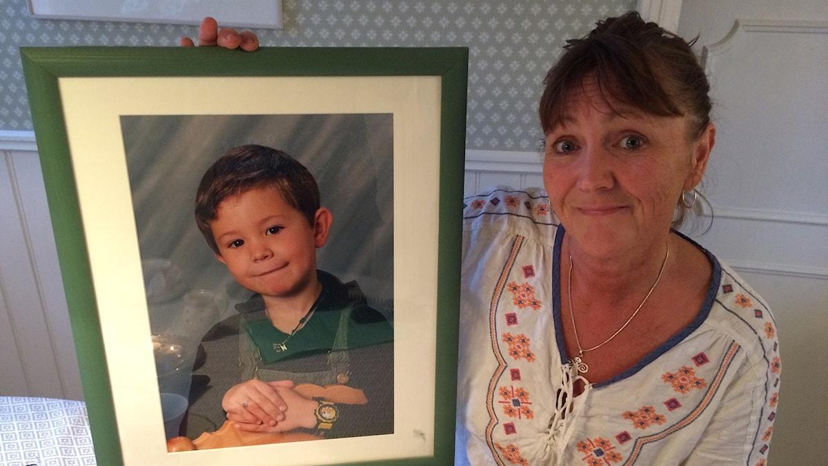 Pia Jacobssons sörjer sin döda son