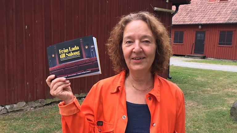Annika Marusarz med bok om biografhistoria