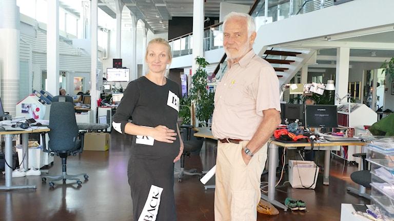P4 Gotlands Hanna SIhlman tillsammans med Staffan Bergström, professor i gynekologi vid Karolinska Institutet.