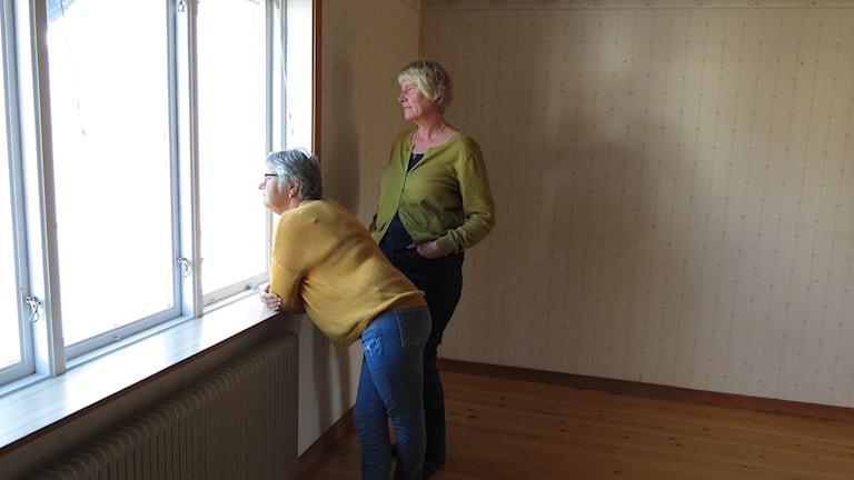 Huset tömt på selenekollektivet i Alva. Gunnel Knutas Mona Edström blickar framåt.