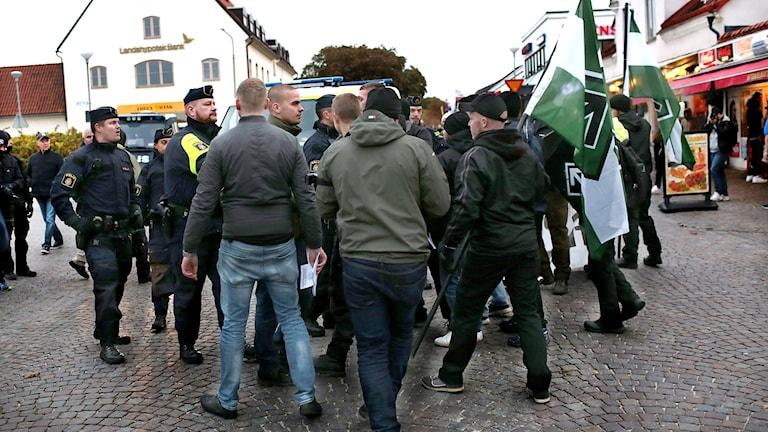 Nordiska Motståndsrörelsen demonstrerar i Visby