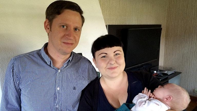 Jonas Törnfelt & Ida Tengqvist-Törnfelt med Hogräns yngsta, bara 13 dagar gammal