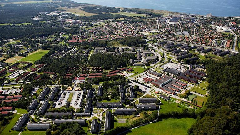 Södra Visby med Gråbo i förgrunden