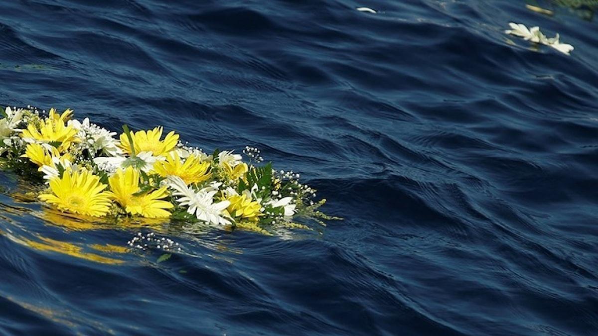 Allt fler väljer att sprida sin aska över havet.