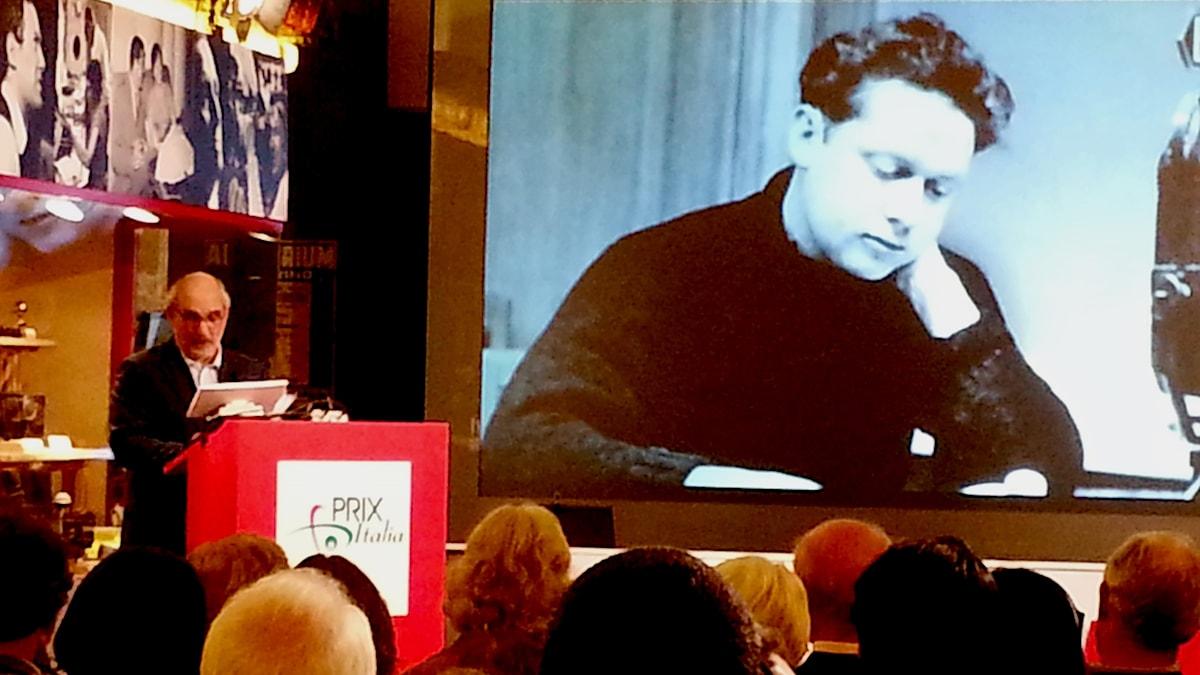 BBC-profilen Alan Yentob föreläser om poeten Dylan Thomas, vinnare av Prix Italia.