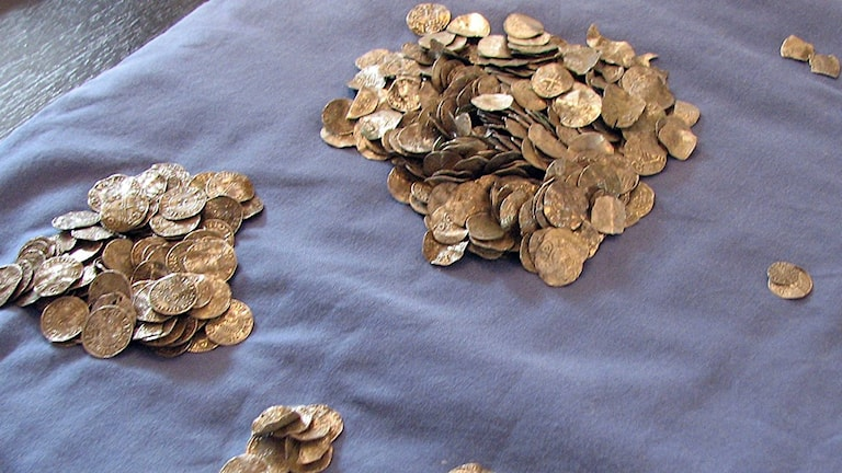 Mynt från silverskatt hittad i Eskelhem 2012