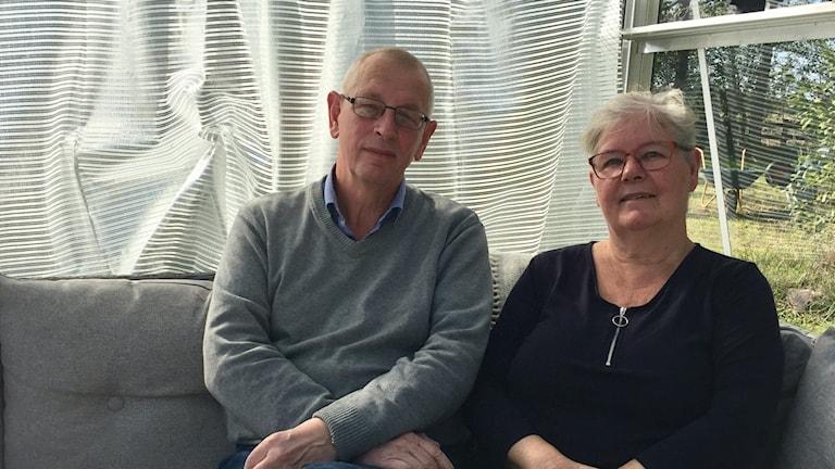 Björn och Monica Söderberg i sitt växthus i Lokrumme på Gotland