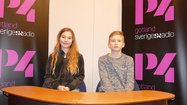 Viktoria Bertvig och Herman Häggbom tävlar för Atheneskolan.