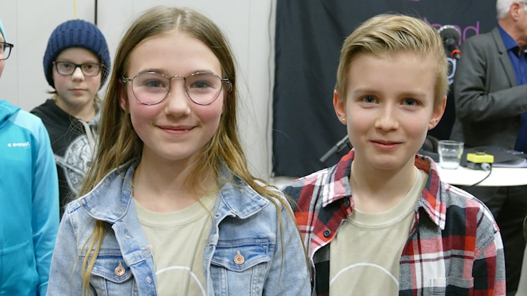 Atheneskolana Victoria Bertwig och Herman Häggbom