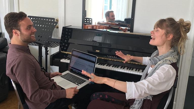 Tonsättareleverna Philip Gleisner och Miranda Abrahamsson
