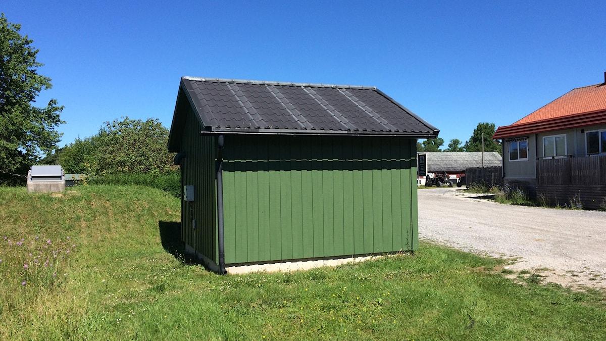 Pumphus vid grundvattentäkt i Tingstäde.