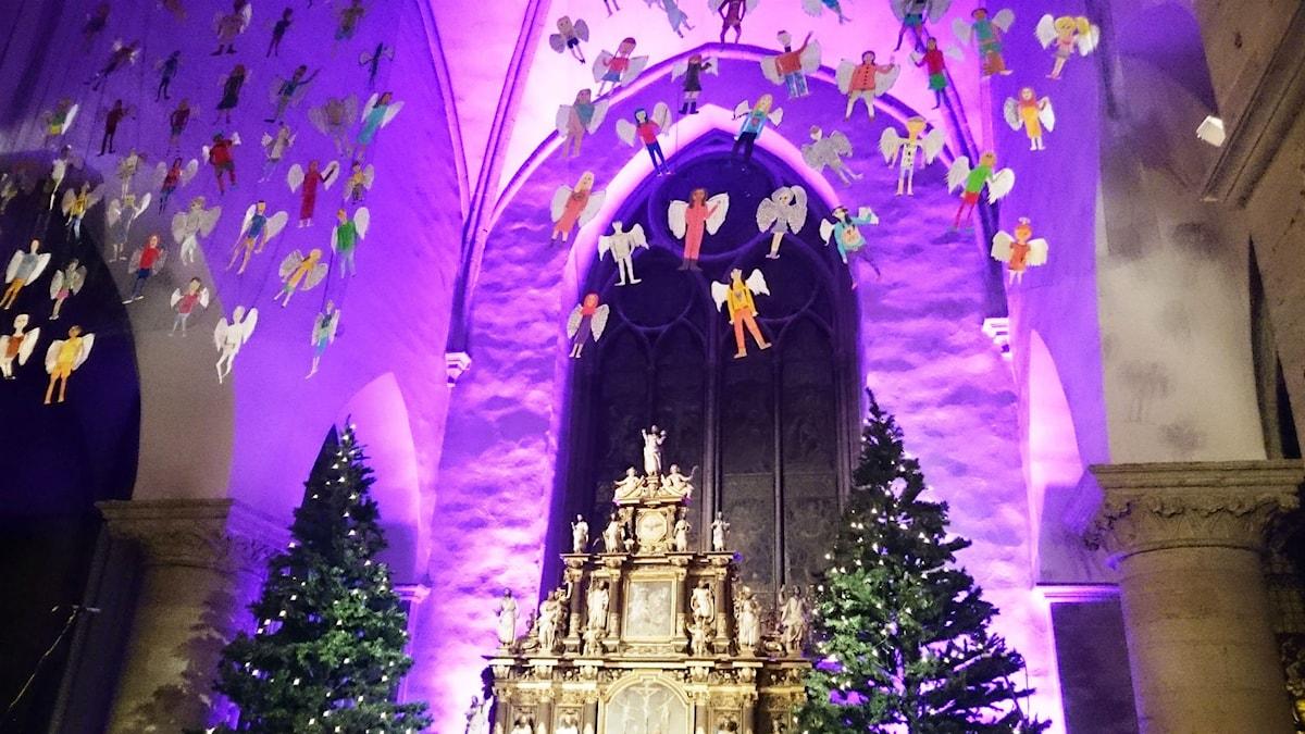 Änglar flyger i St Nicolai kyrka. Foto: Gitte Östling.