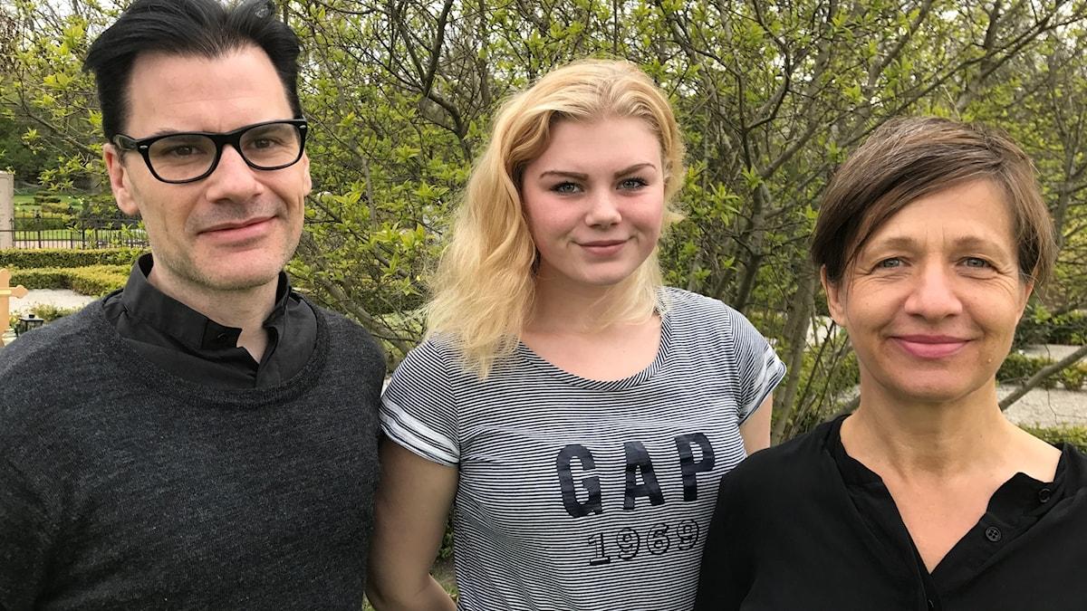 Stellan Ponnert, Klara Johansson och Karin Ekblom i gudstjänsten
