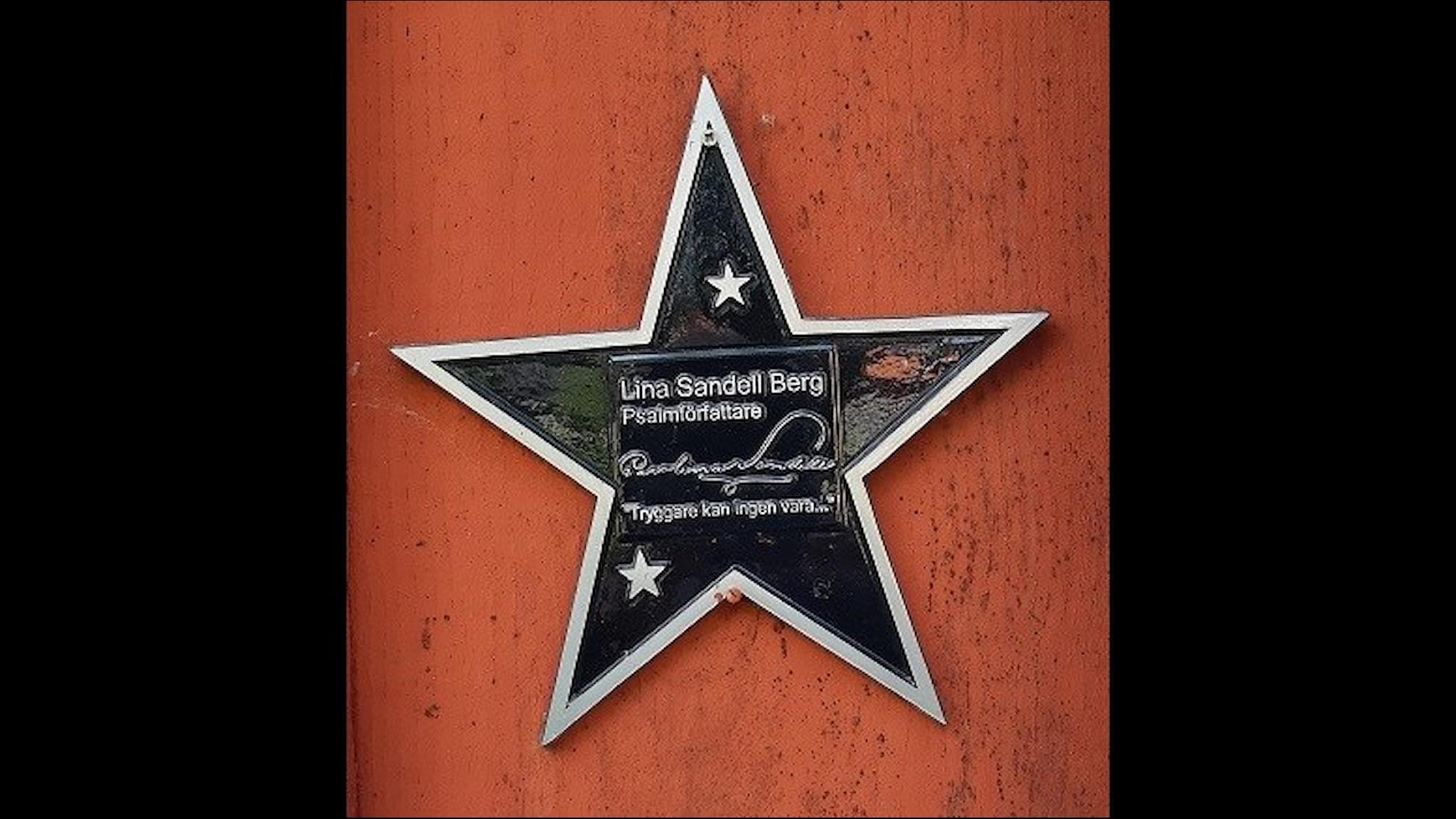 Stjärna i metall med Lina Sandells namn