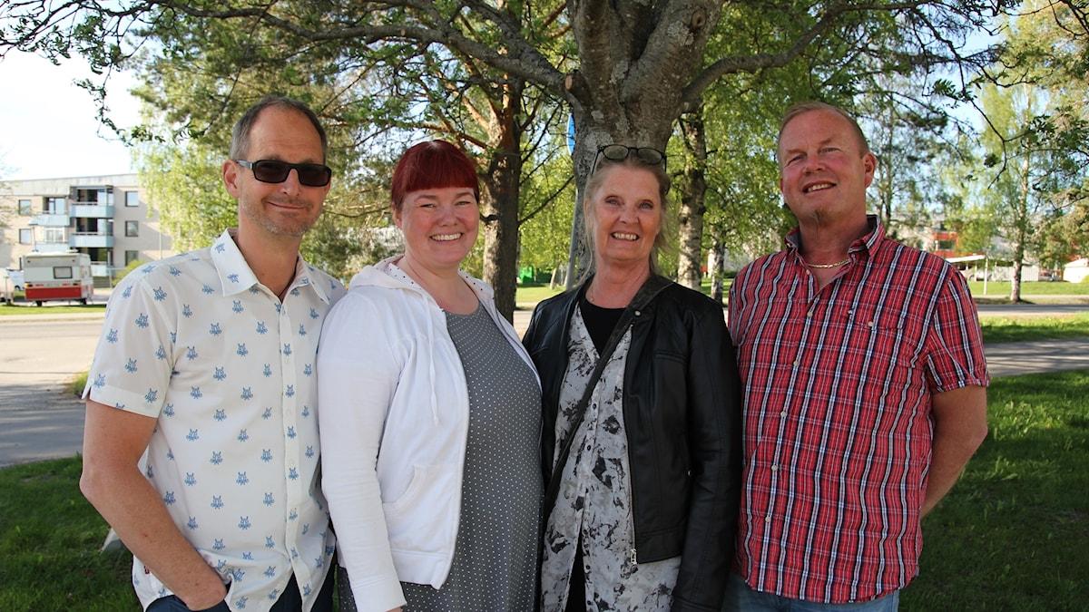 Mattias Hjalmarsson, Carola Larsson Malmehed, Maria Edlund och Peter Ståhl medverkar i gudstjänsten från Umeå.