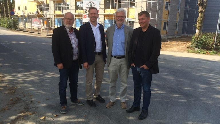 Christer Falk, projektledare för Bo i Bollebygd, Peter Rohsolm (S) kommunalråd, Christer Johansson (M) oppositionsråd och Anders Einarsson kommunchef.