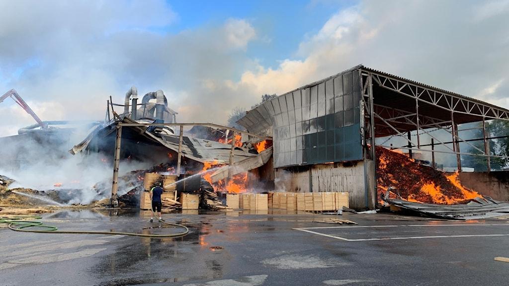 Brand i sågverk i Borgstena.