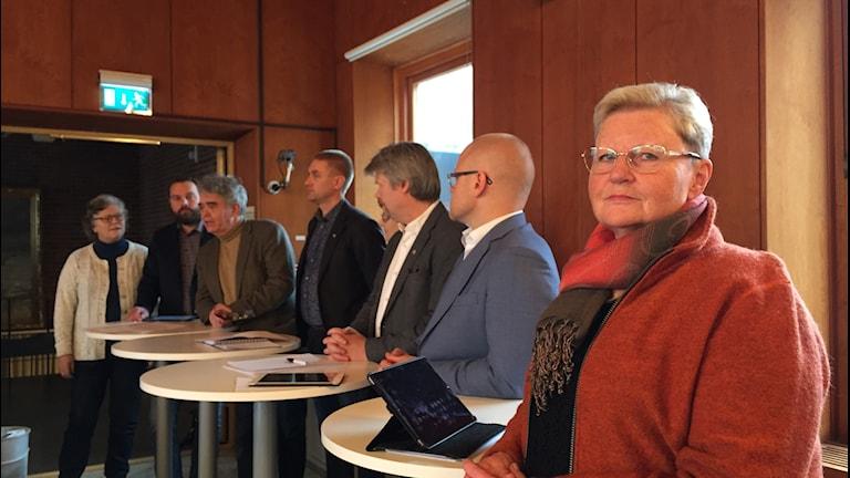 Flera politiker på rad i Ulricehamns kommunhus.