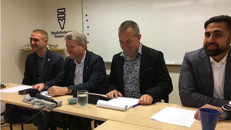 Mikael Dahl (C), Roland Karlsson (C), Mikael Levander (NU) och Dario Mihajlovic (NU)