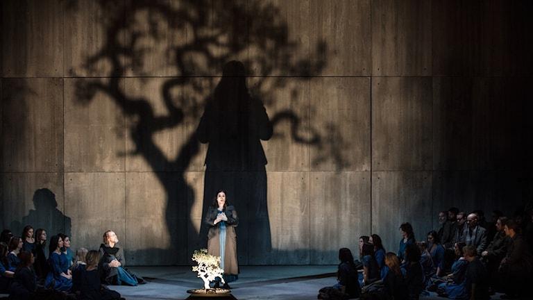 Ensamblebild från föreställningen Norma.