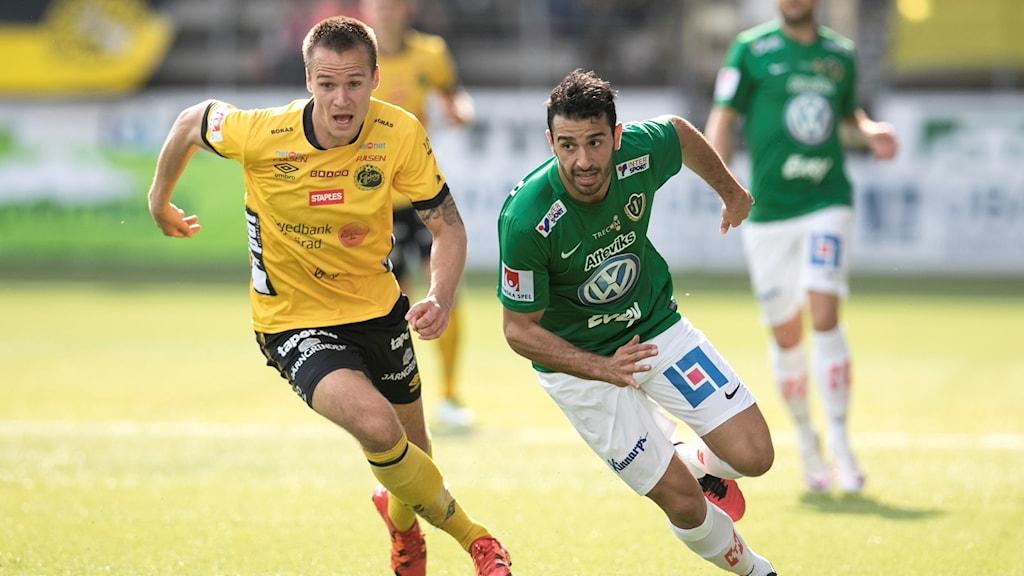 Elfsborgs Viktor Prodell på språng under förra säsongens match mot Jönköping på Borås Arena.