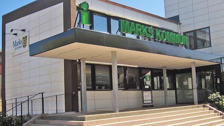 Marks kommunhus. Foto: Hanna Larsson/SR