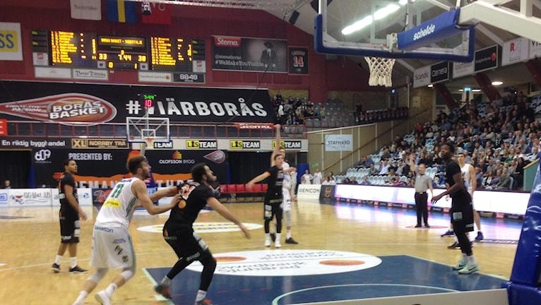Borås Basket möter Södertälje Kings.