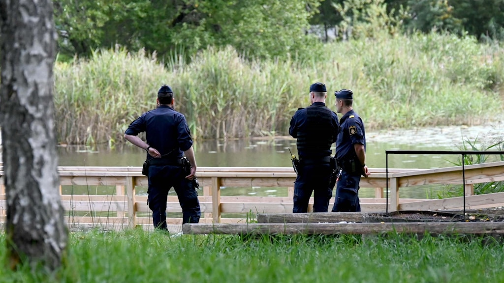 Poliser vid Hultasjön.