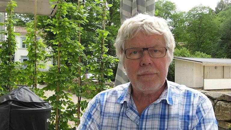 """Olle Engström (M) tycker att han blivit smutskastad efter att hans artikel  """"Okontrollerad invandring orsak till upploppen"""" publicerats. Foto: Bo Thorin, P4 Sjuhärad"""