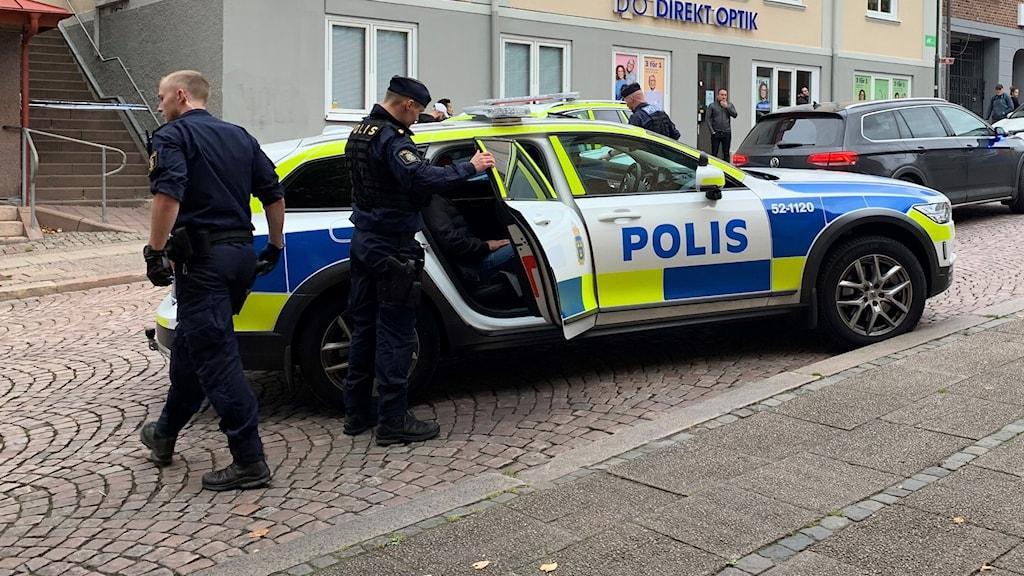 Polisinsats efter skottlossning.