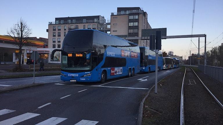 100-bussarna står still  Mölndalsvägen vid Delsjömotet
