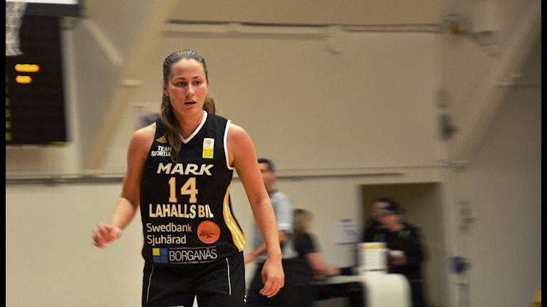 Amanda Odqvist, Mark basket. Foto Kristoffer Lidén.