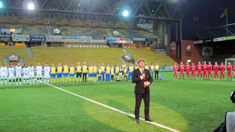 En minnesstund inledde turneringen på Borås Arena. Foto: Adam Koskelainen.