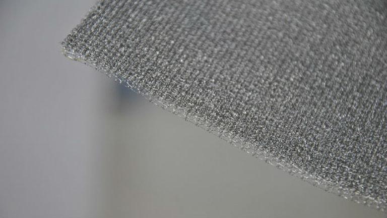 Det nya materialet som tagits fram på Textilhögskolan i Borås. Foto: Textilhögskolan