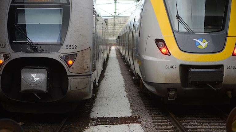 Två tåg på Göteborgs järnvägsstation