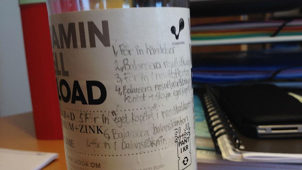 Flaska med anteckningar hittad i tentasalen Foto: Markus Alfredsson