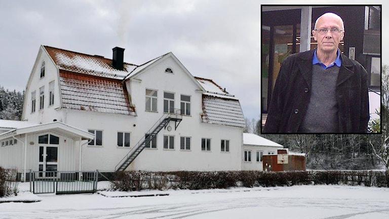 Henry Sandahl (MBP) gillar inte att den gamla skolan i Gullbergs by ska bli flyktingboende. Foto: Lars Persson/P4 Sjuhärad.