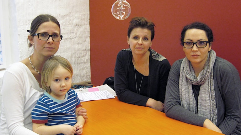 Föräldraföreningen på Byttorpskolan: Fr.v: Linda Thiel Areqvist, Ann Holmgren och Vasso Siameti. Foto: Melissa Gustafsson.