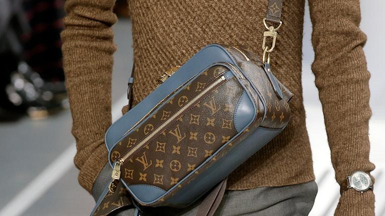 Väska från  Louis Vuitton. Foto: AP /Francois Mori/TT.