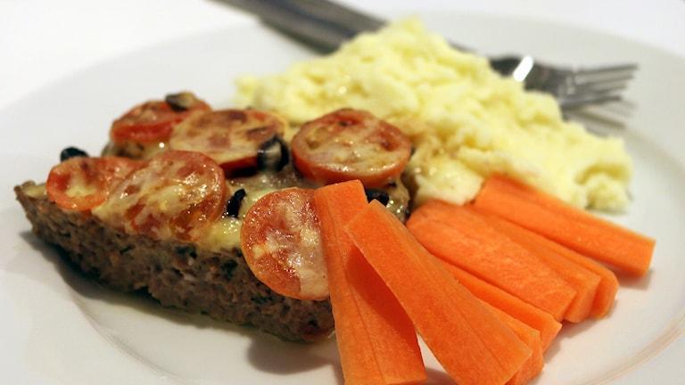 Recept: Tomat- och ostgratinerad köttfärs. Foto: Niclas Odengård.