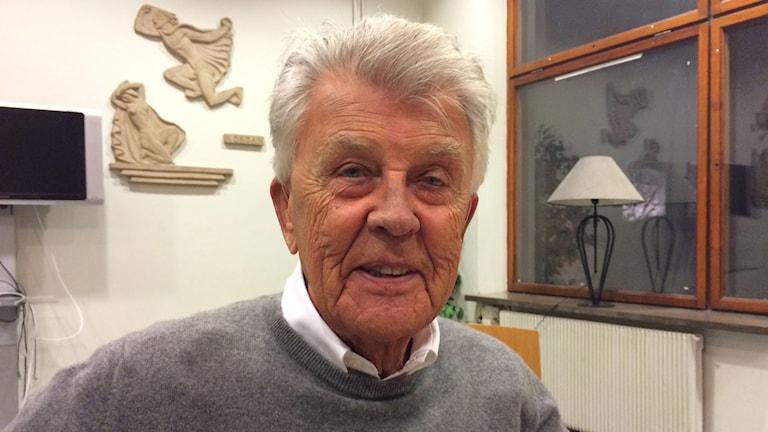 Sven-Bertil Taube ger konsert på Bäckängsgymnasiet i Borås. Foto: Mikael Olmås