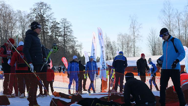Spänd och förväntansfull stämning vid startlinjen. Foto: Adam Koskelainen
