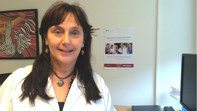 Gudrun Greim, distriktsläkare och verksamhetschef på Fristad vårdcentral. Foto: Melissa Gsutafsson/Sveriges Radio