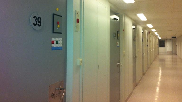 Häktesgången i häktet i Borås.