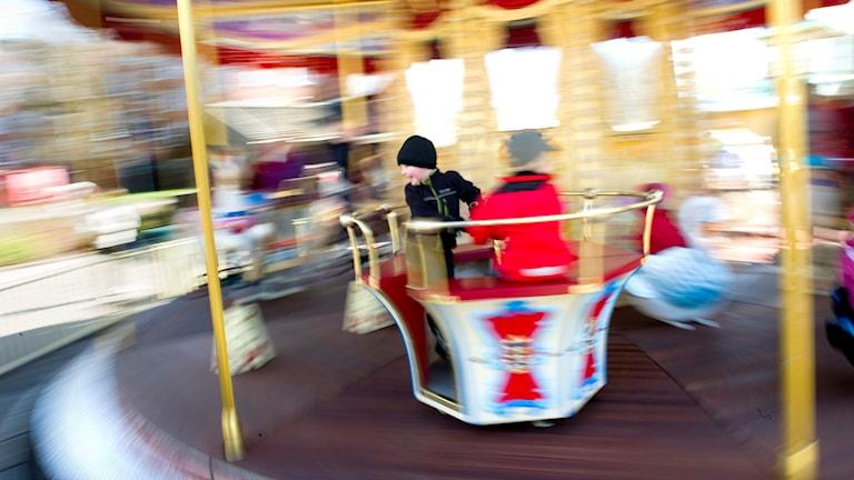 Barn åker karusell på Liseberg. Foto: Björn Larsson Rosvall/TT