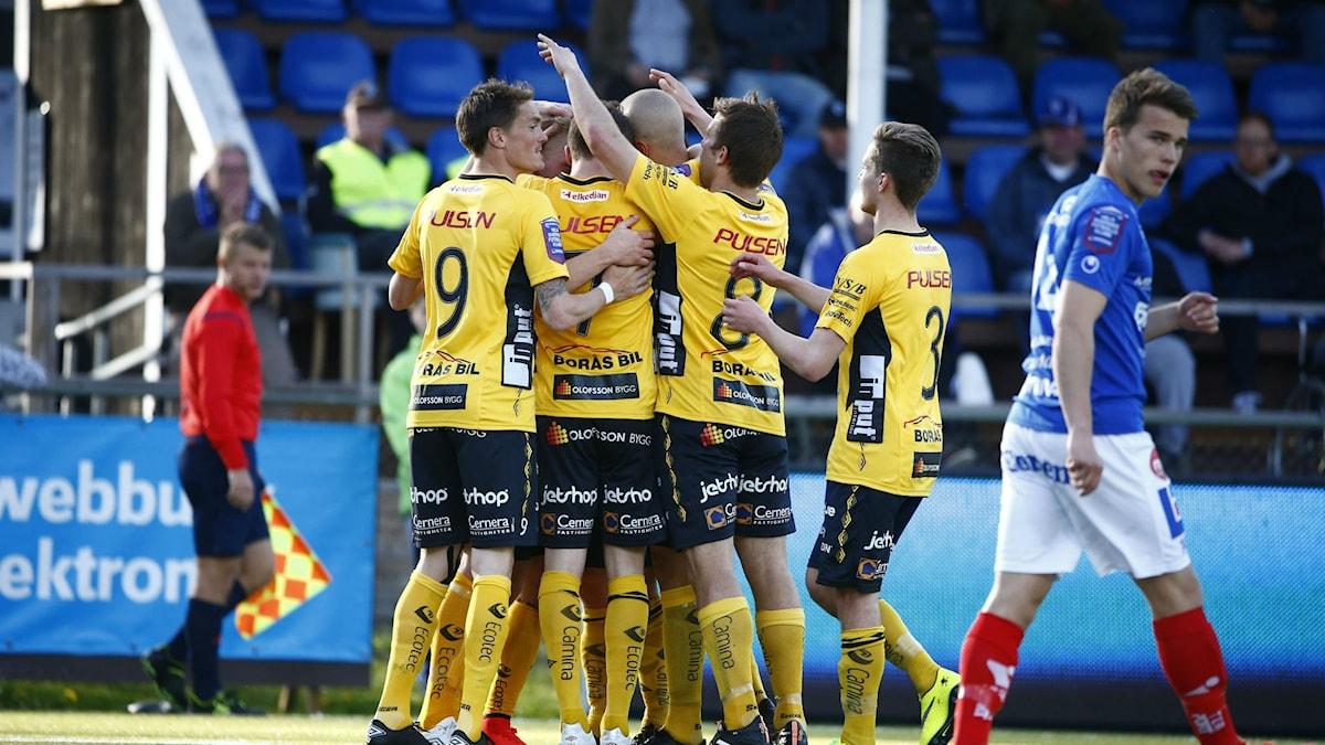 Jubel i Elfsborg efter att Per Frick gjort mål mot Åtvidaberg i våras. Foto: Stefan Jerrevång / TT
