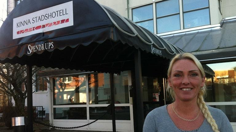 Malin Andreasson, platschef på asylboendet på Kinna stadshotell. Foto: Jenny Hellström/SR