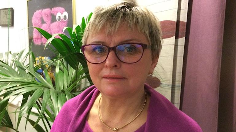 Sabina Talavanic, bygg- och miljöchef i Vårgårda. Foto: Karin Ivarsson / SR.